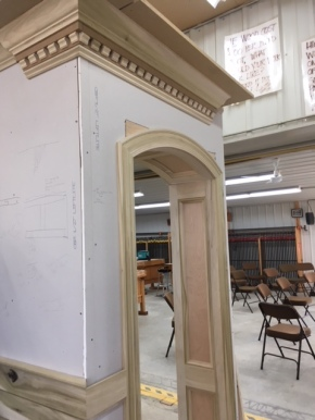 Here is some more complex crown molding and another shot of the curved, paneled doorway.